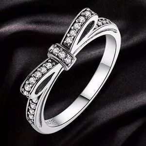 Bow silver plated ring